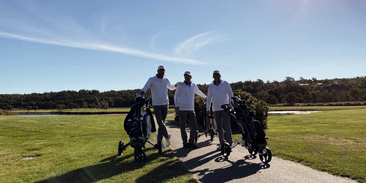 Företag golfar tillsammans på TanumStrand Fjällbacka Open på Fjällbacka Golfklubb på Västkusten
