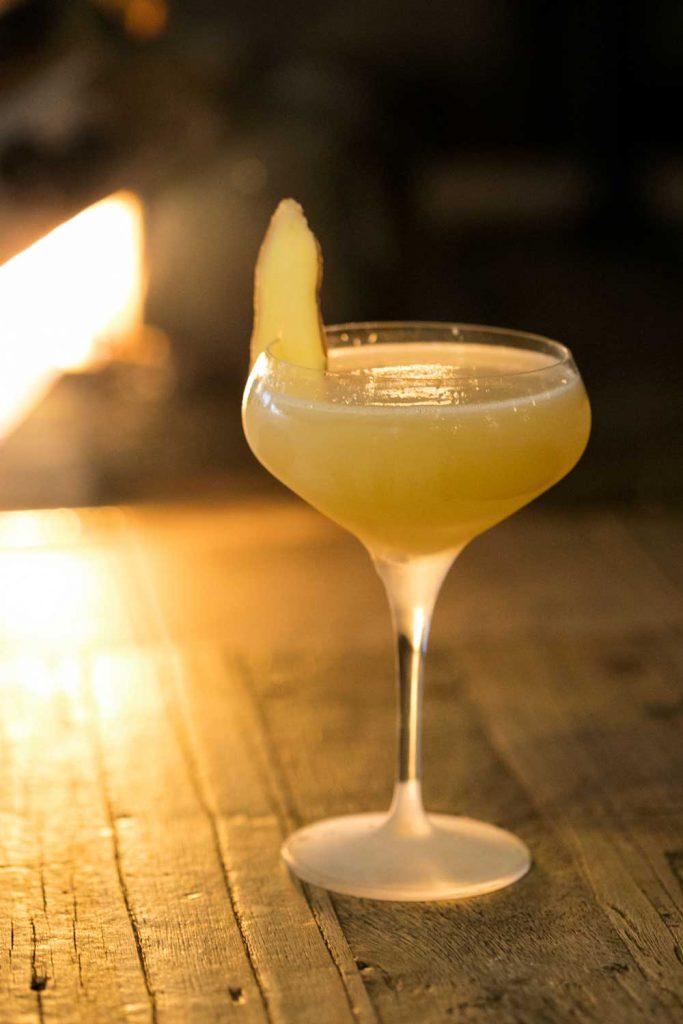 Cocktail i lobbybaren på TanumStrand i Grebbestad