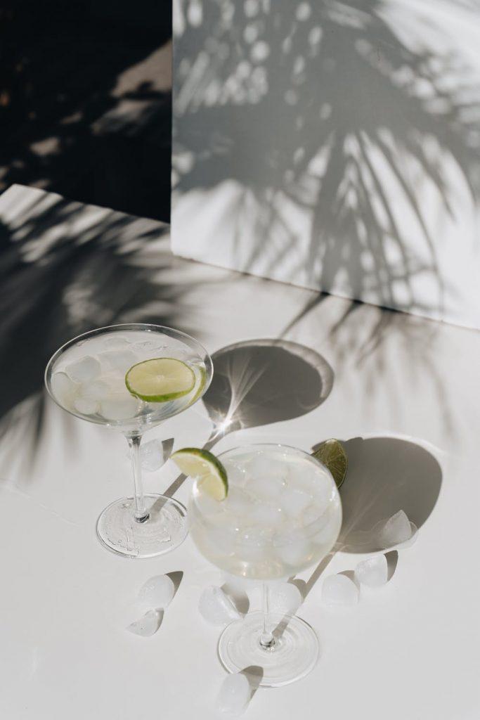 Drinkar och cocktails som serveras på TanumStrands Beach Club på sommaren
